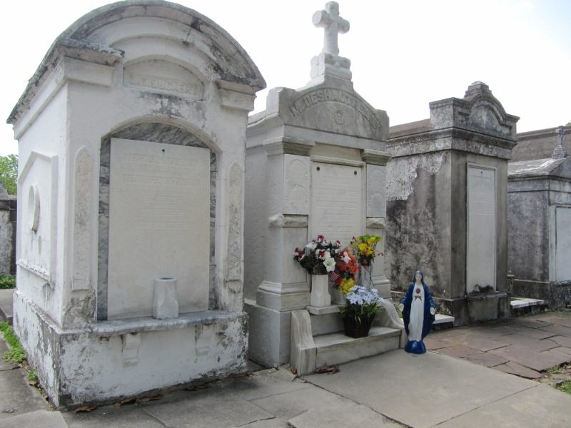 Lafayette Cemetery is also found in the Garden District.
